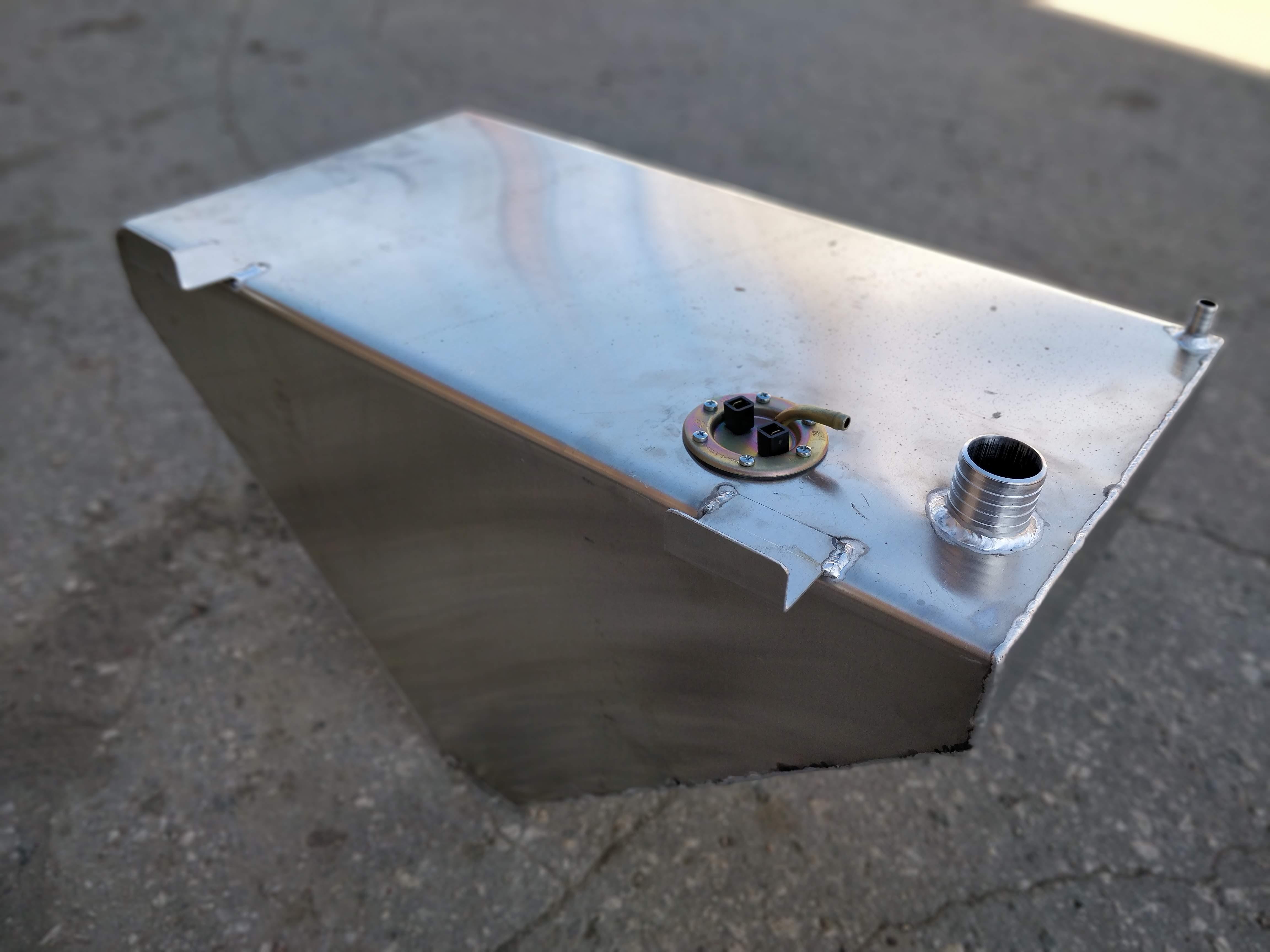 Топливный бак Прогресс 4, 50 л в носовой рундук - 8000 руб.